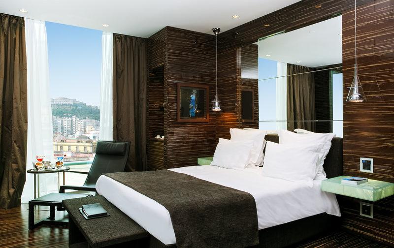 Deluxe Suite Castle View