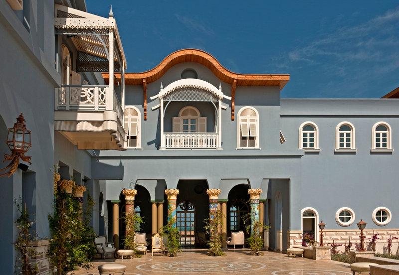 La Maison Bleue  Exterior