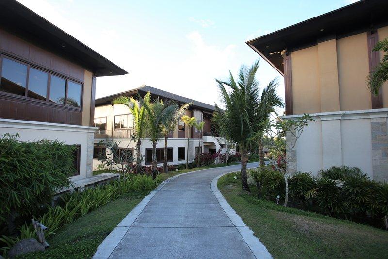 Anya Courtyard
