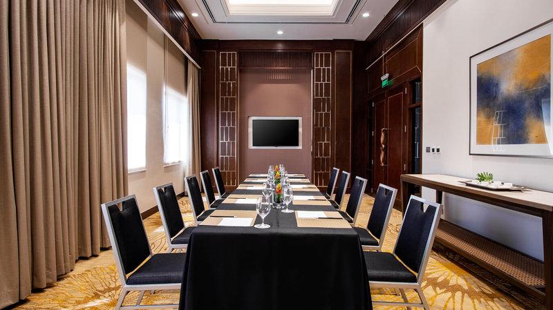 Raya Boardroom