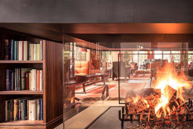 Fire Lounge