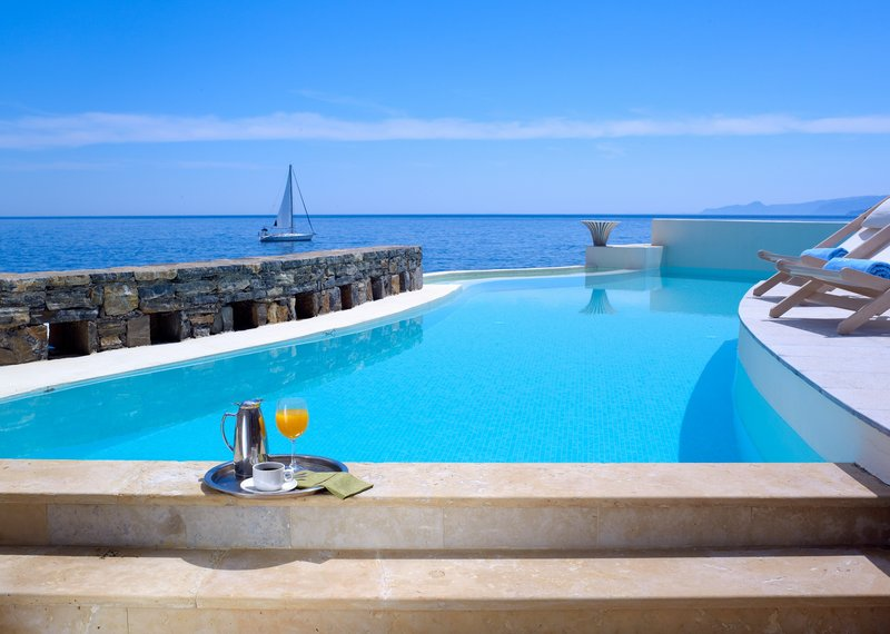 Club Studio Suite Private Pool Seafront