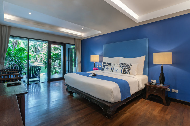 Akyra Phuket Deluxe Suite King Bed
