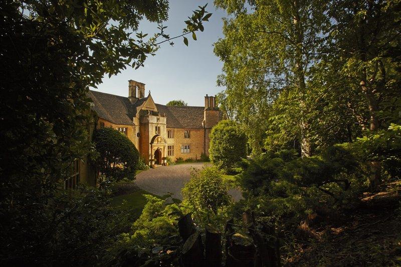 Foxhill Manor Exterior