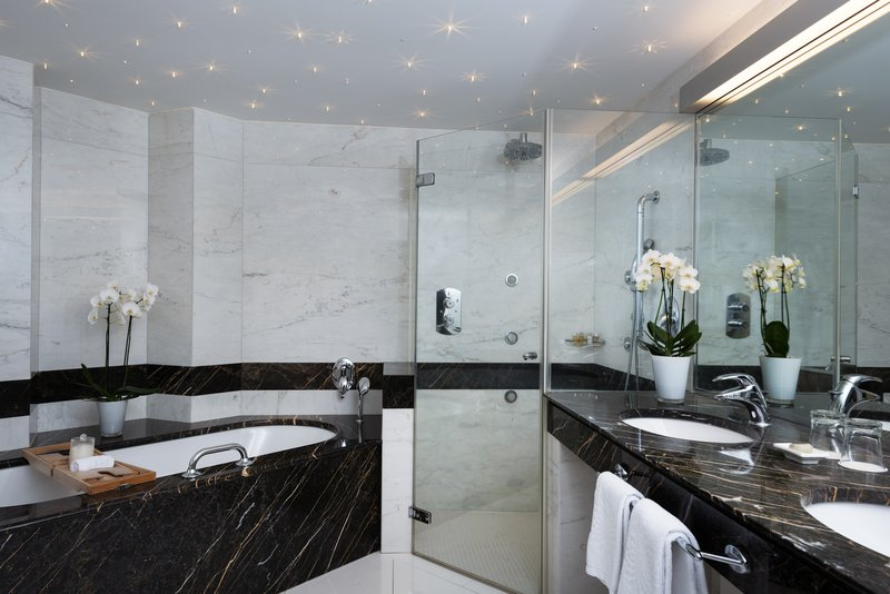 Lifestyle Suite Bathroom