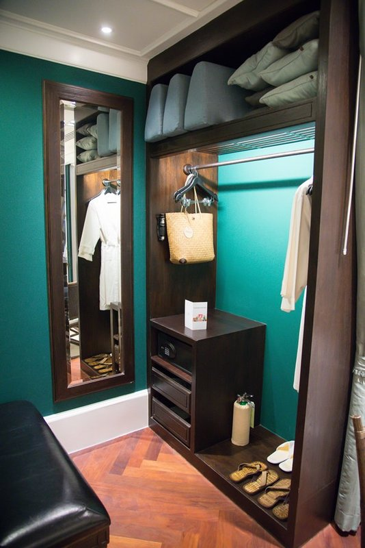 David Fleming Macfie Suite - Walk In Closet