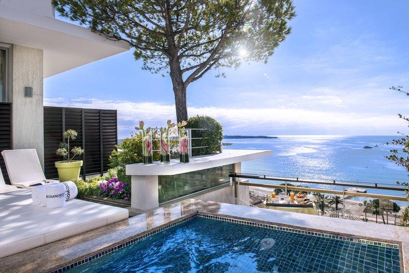 Panoramic Jacuzzi Room Sea View