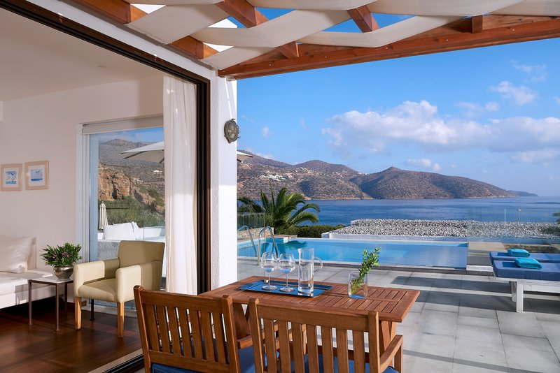 Club Villa Bedroom Private Pool Seafront