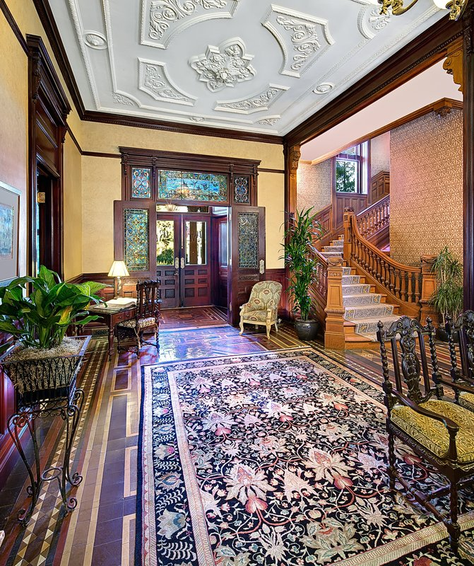 Wentworth Mansion Lobby