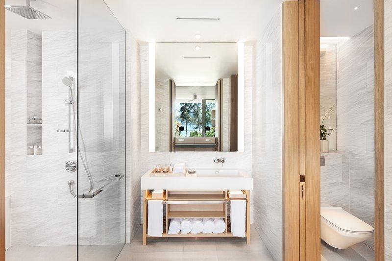 Azure Sea View Suite Bathroom