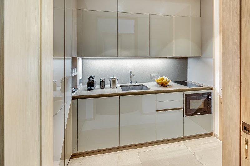 Grand Azure Suite Kitchen