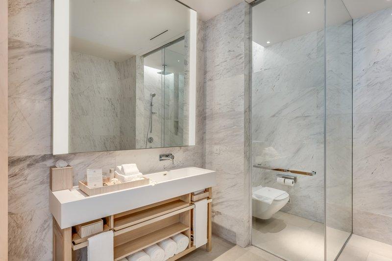 Grand Azure Penthouse Bathroom