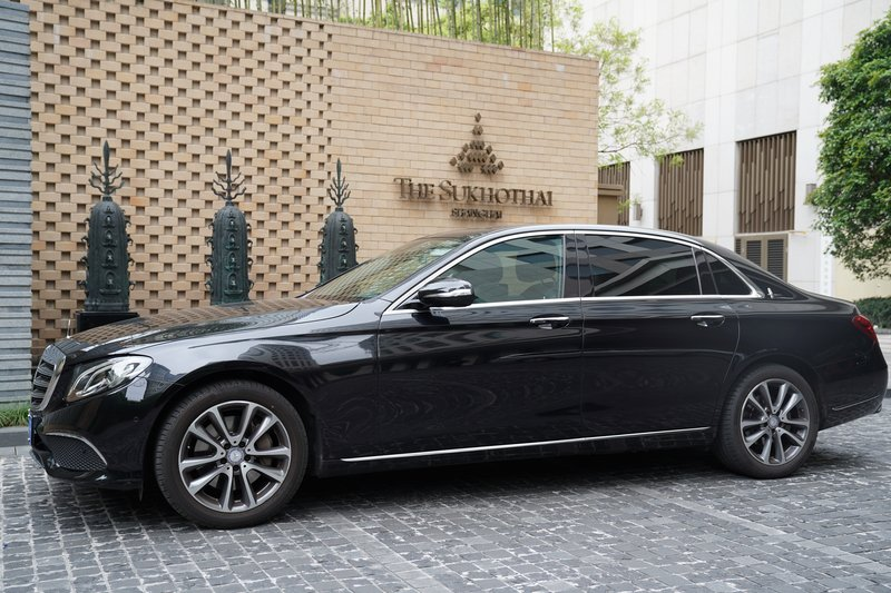 Luxury Arrival Experience On Mercedes Benz