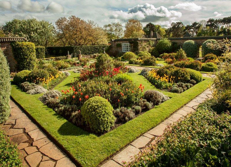 Greywalls Gardens