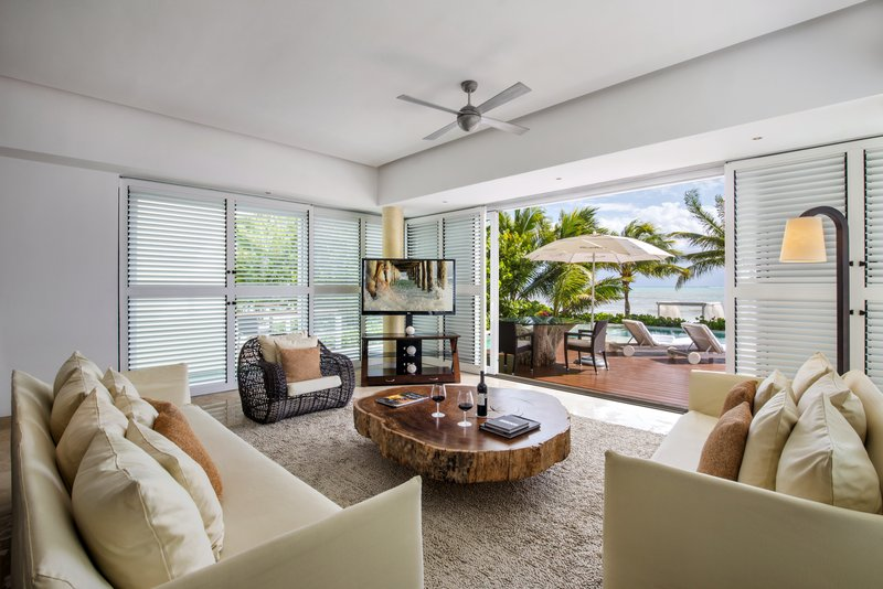 Beach Front Presidential Suite Living Room