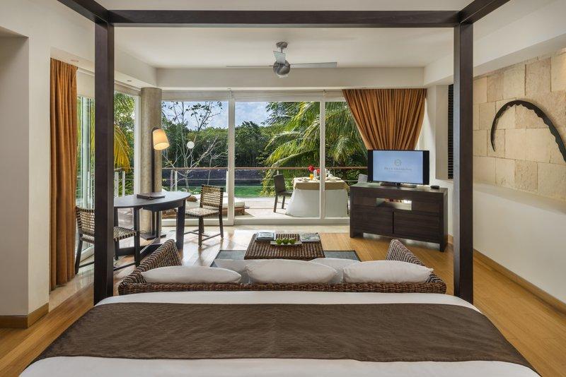 Cenote Laguna Deluxe Jr Suite