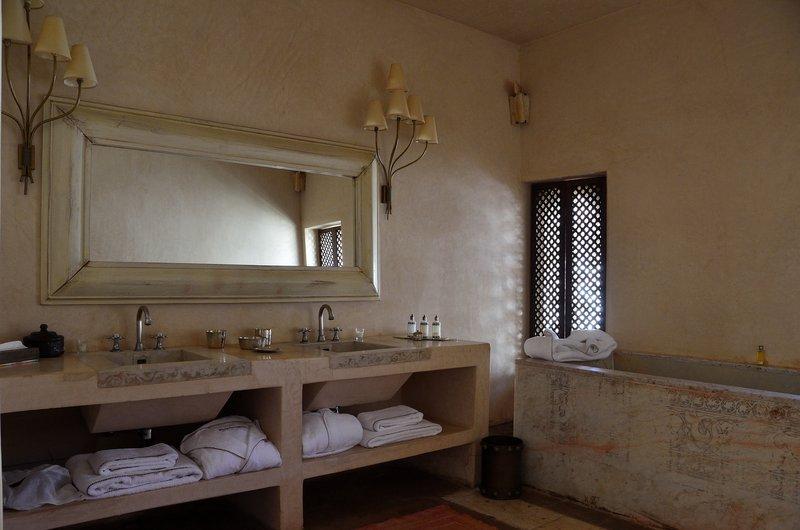 Large Harim-Suite