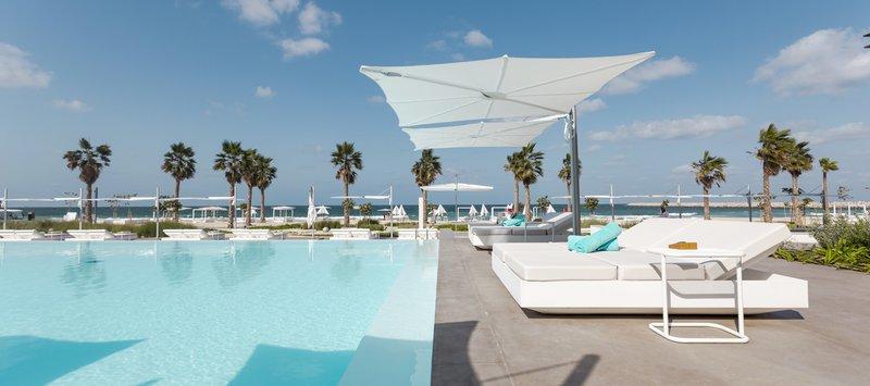 Hotel Pool Main