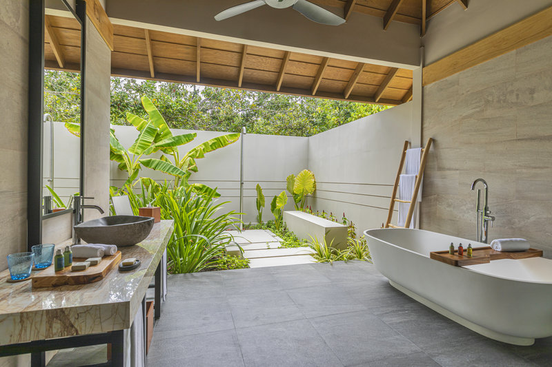 Beach Bungalow-Bath