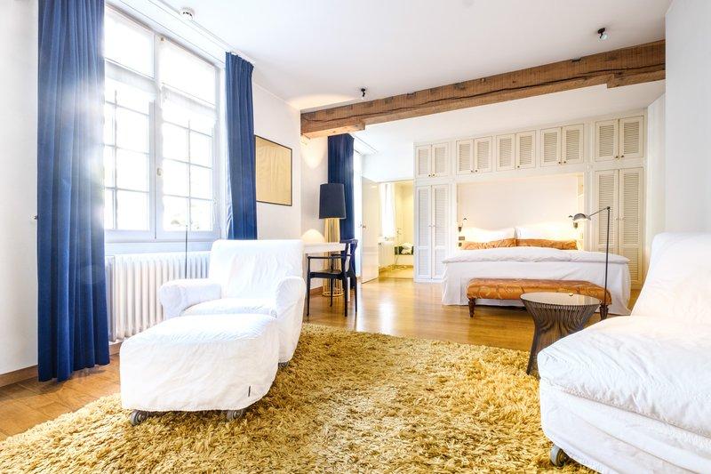 Classic Room 8