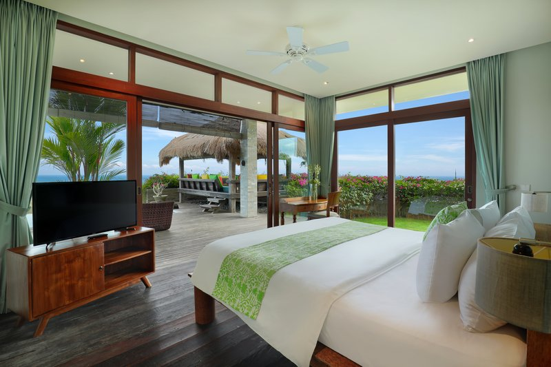 Five Bedroom Ocean View Pool Villa - Raja Bedroom