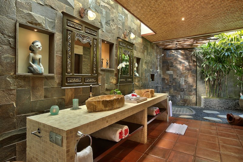 Two Bedroom Ocean View Pool Villa - Sanya Bathroom