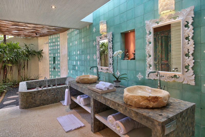 Two Bedroom Ocean View Pool Villa -Sekapa Bathroom