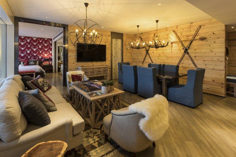 Swiss Chalet - Livingroom
