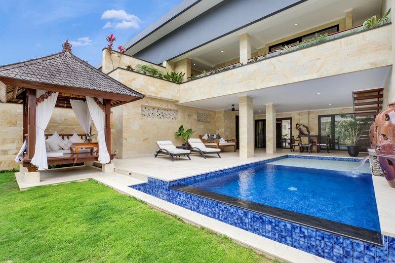 Vice Regal Villa Pool Area