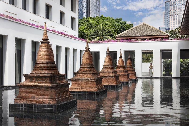 Sukhothai Chedi Pond
