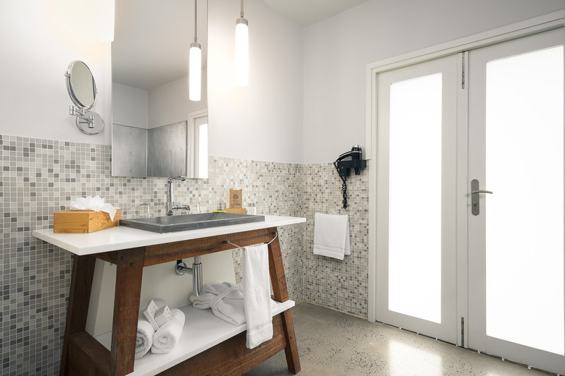 Presqu'île Bathroom