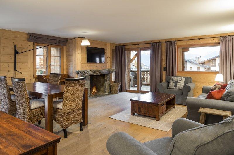 Deluxe Apartment 405