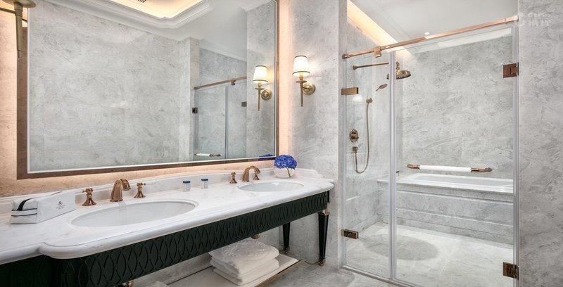 The New jingli suite bathroom