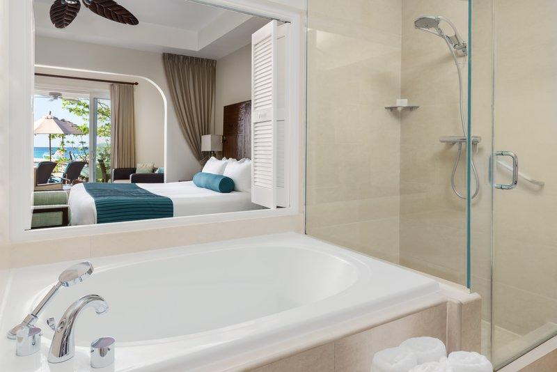 Seagrape Beach Suite Bathroom
