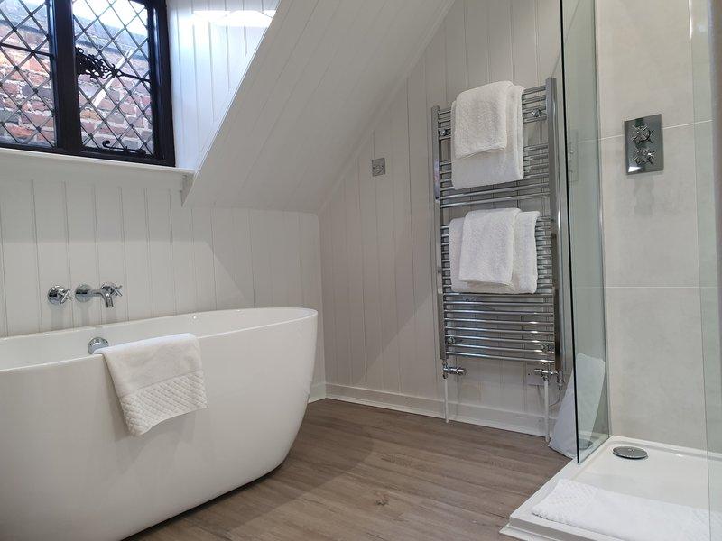 Waterloo Suite - Bathroom