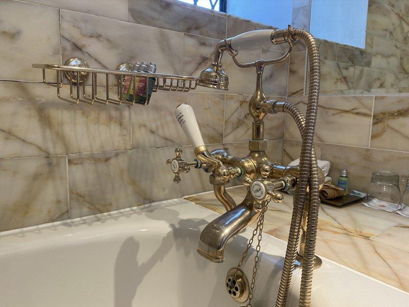 Cosy Double Room - Bathroom