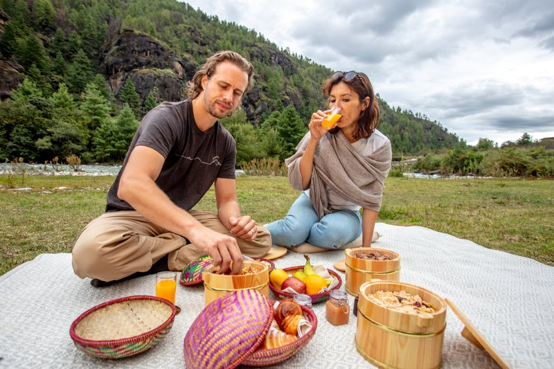 Picnic in the Neyphu valley