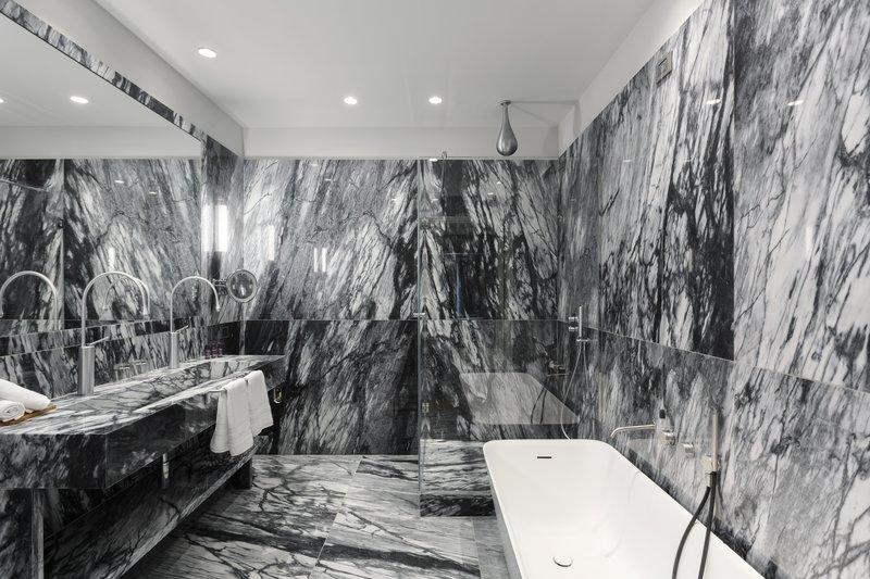 GrandGallerybathroom