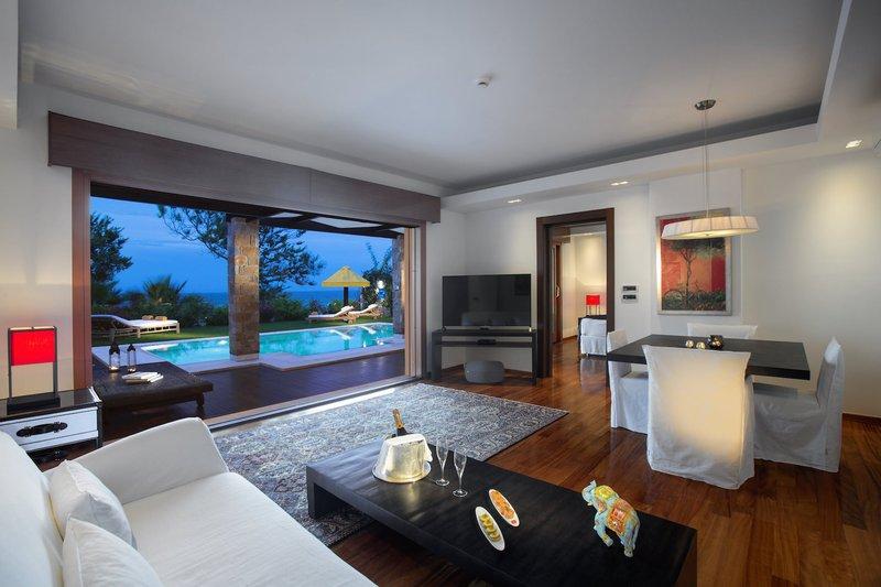 One Royal Spa Luxury Villa Living Room