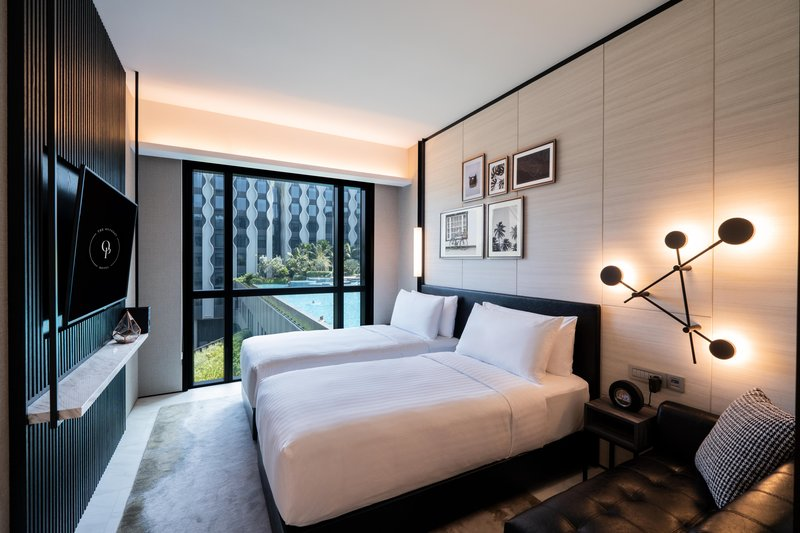 Deluxe Room Pool View - Single Beds