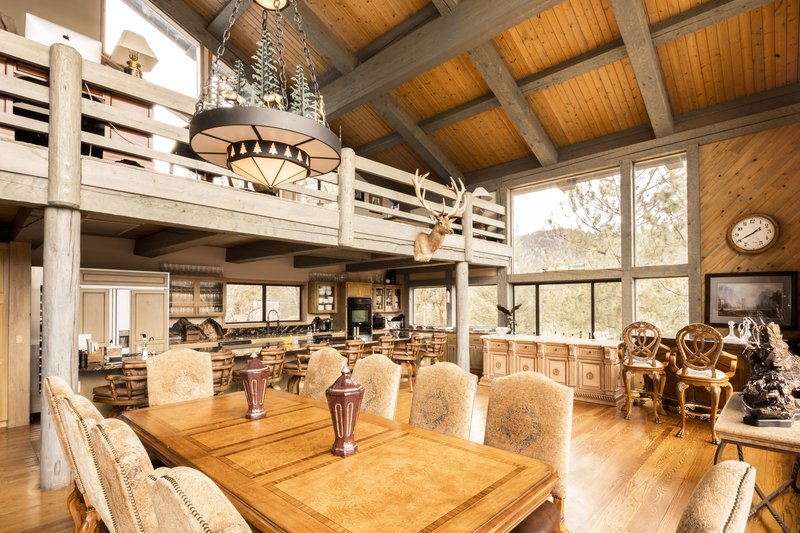 Intimate Dining Space for Farm-to-Table Meals
