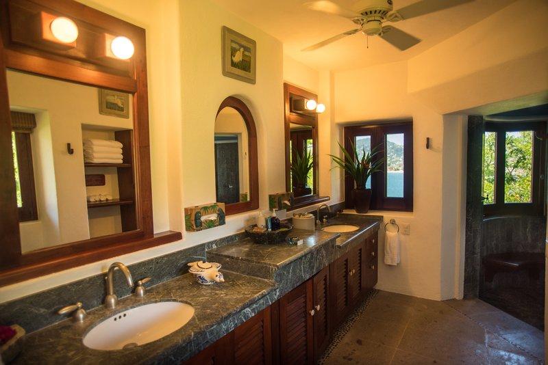 Villa El Murmullo - Bathroom