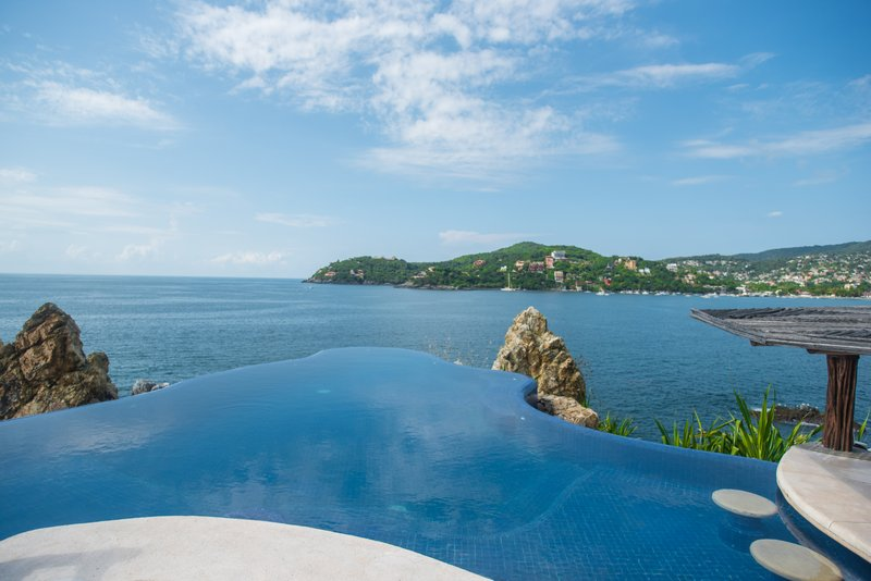 Villa el Murmullo - Infinity Pool with view