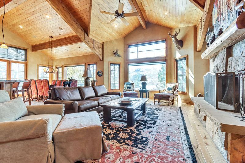 Bellemont Living Room