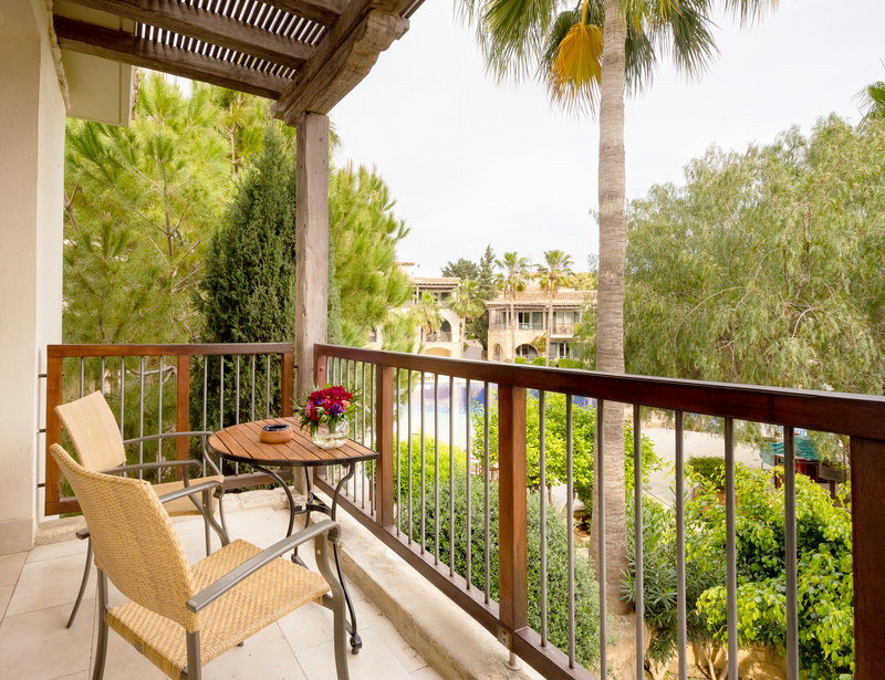Executive Suite Pool View Balcony