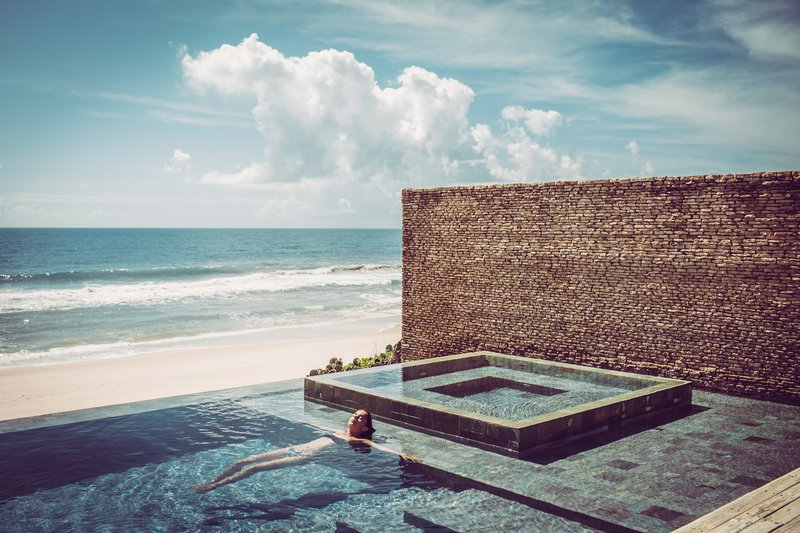 Infinity-edged pool