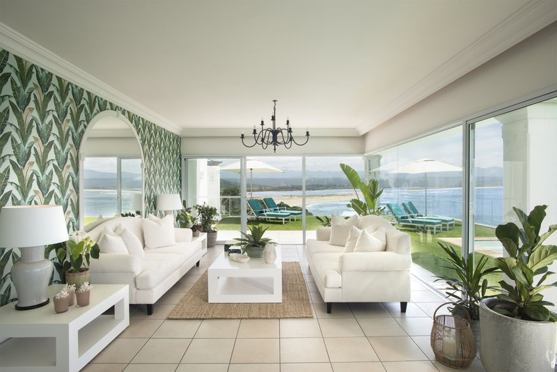 Garden Room Lounge with 180 degree ocean view