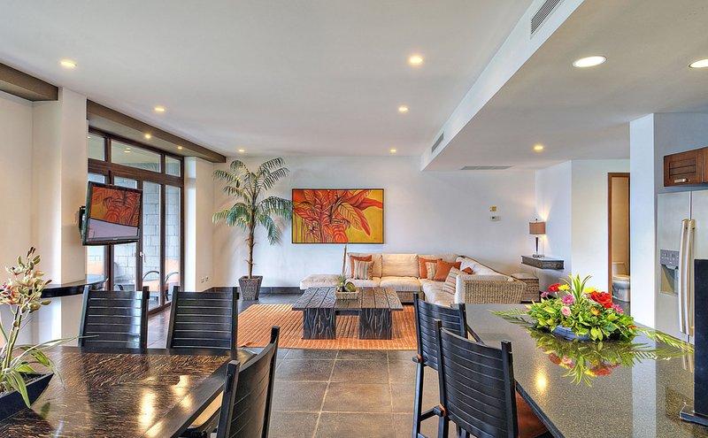 Rainforest Suite Living room