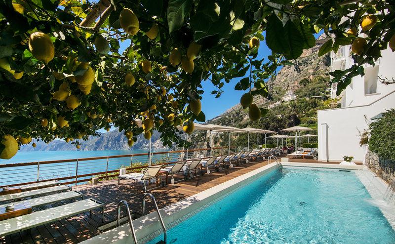 Outdoor Pool Lemon Pergola