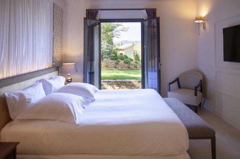 Room Villa Valrugues
